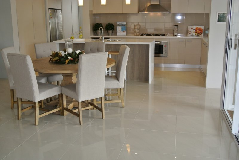 Polished Porcelain Floor and Kitchen